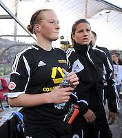 FRAUEN  FUSSBALL   CHAMPIONS LEAGUE  FINALE   2011/2012      Olympique Lyon - 1. FFC Frankfurt          17.05.2012 Enttaeuschung nach der Niederlage, Melanie Behringer (li.) Dzsenifer Marozsan (1. FFC Frankfurt)