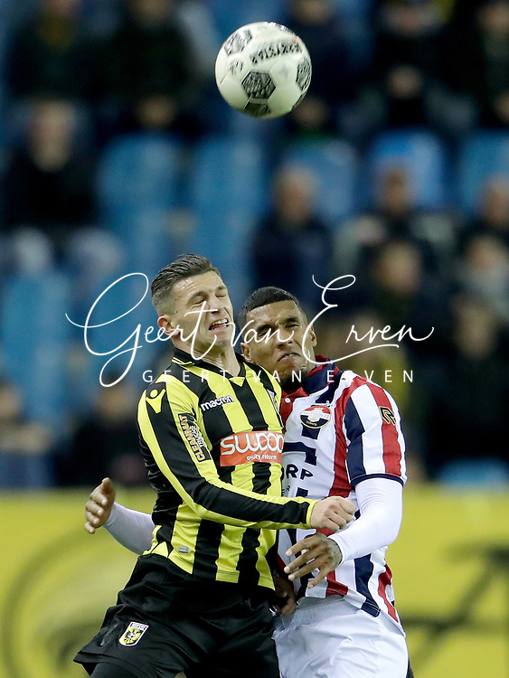 (L-R) *Bryan Linssen* of Vitesse, *Darryl Lachman* of Willem II