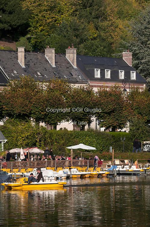 France, Haut-de-France, ex Picardie, Oise (60), Pierrefonds,le lac // France, Haut de France, ex Picardy, Oise county, Pierrefonds, the lake France, Hauts-de-France, Oise