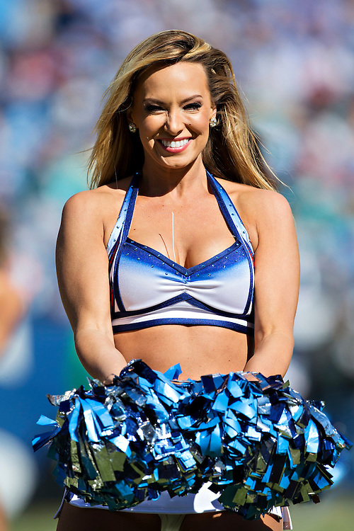 NASHVILLE, TN - OCTOBER 18:  Cheerleaders of the Tennessee Titans perform during a game against the Miami Dolphins at LP Field on October 18, 2015 in Nashville, Tennessee.  The Dolphins defeated the Titans 38-10.  (Photo by Wesley Hitt/Getty Images) *** Local Caption ***