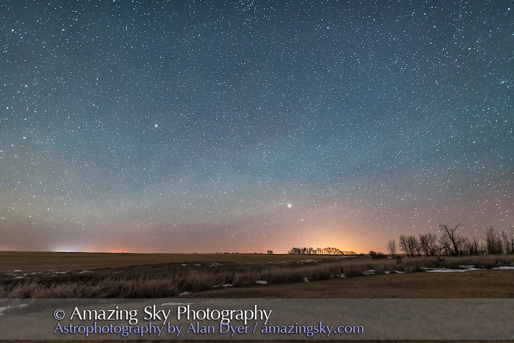 Jupiter, at centre, above Spica in Virgo, rising in the southeast on Feb 1, 2017. Arcturus is above. Shot from home in southern Alberta. Some dim green airglow is visible.