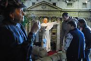 Das Panoptikum ist das älteste Wachsfigurenkabinett in Deutschland und besteht schon seit 1879 in Hamburg St. Pauli am Spielbudenplatz, also fast 130 Jahre. Über 120 Personen aus Geschichte, Kultur, Showbusiness und Sport sind als lebensgroße Wachsfiguren nachgebildet und in aufwendigen Dekorationen in dem schönen Gebäude aus den 50er Jahren ausgestellt.