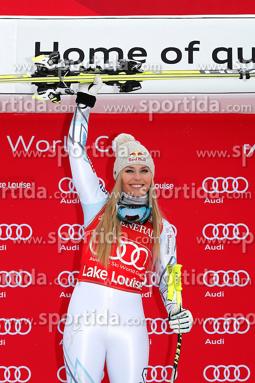 05.12.2015, East Summit Course, Lake Luise, CAN, FIS Weltcup Ski Alpin, Lake Luise, Damen, Abfahrt, Rennen, im Bild Lindsey Vonn (USA, 1. Platz) // winner Lindsey Vonn of the USA during the race of ladies downhill of the Lake Luise FIS Ski Alpine World Cup at the East Summit Course in Lake Luise, Canada on 2015/12/05. EXPA Pictures &copy; 2015, PhotoCredit: EXPA/ SM<br /> <br /> *****ATTENTION - OUT of GER*****