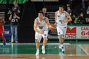 DESCRIZIONE : Treviso Lega A 2011-12 Benetton Basket Treviso Cimberio Varese<br /> GIOCATORE : jeff viggiano<br /> CATEGORIA :  palleggio contropiede<br /> SQUADRA : Benetton Basket Treviso Cimberio Varese<br /> EVENTO : Campionato Lega A 2011-2012<br /> GARA : Benetton Basket Treviso Cimberio Varese<br /> DATA : 25/04/2012<br /> SPORT : Pallacanestro<br /> AUTORE : Agenzia Ciamillo-Castoria/M.Gregolin<br /> Galleria : Lega Basket A 2011-2012<br /> Fotonotizia :  Treviso Lega A 2011-12 Benetton Basket Treviso Cimberio Varese<br /> Predefinita :