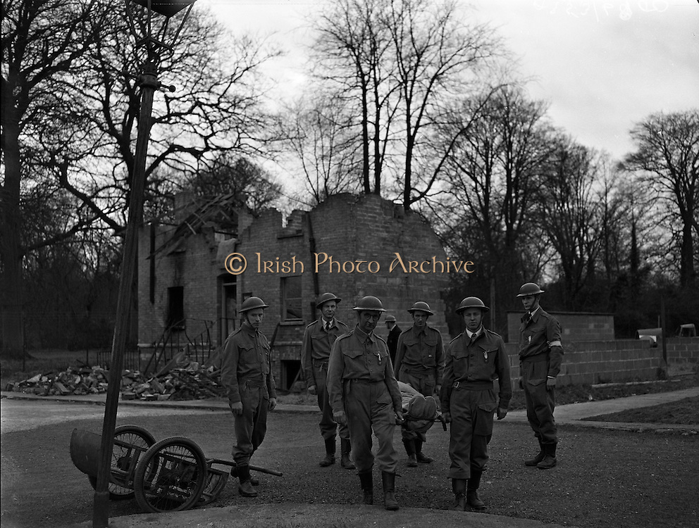 Red Cross Civil Defence Course Group at Ratra House, Phoenix Park.26/02/1959