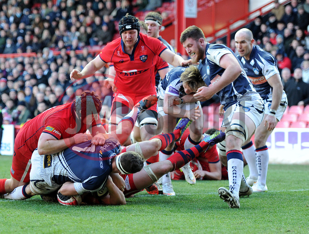 Bristol Rugby number 8, Mitch Eadie scores a try against Yorkshire Carnegie in Greene King IPA Championship at Ashton Gate - Photo mandatory by-line: Paul Knight/JMP - Mobile: 07966 386802 - 18/01/2015 - SPORT - Rugby - Bristol - Ashton Gate Stadium - Bristol Rugby v Yorkshire Carnegie - Greene King IPA Championship