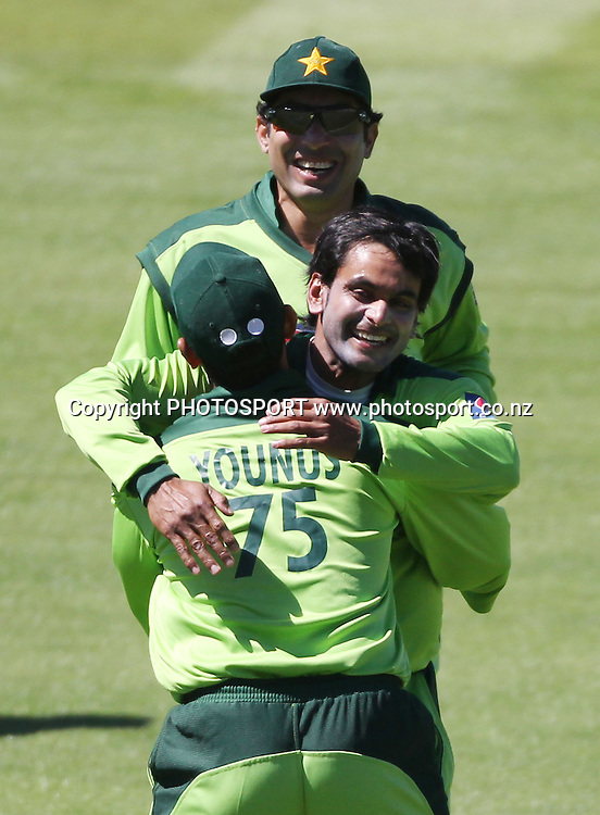 Pakistan bowler Mohammad Hafeez celebrates the wicket of Kane Williamson during the 4th ODI, Black Caps v Pakistan, One Day International Cricket. McLean Park, Napier, New Zealand. Tuesday 1 February 2011. Photo: Andrew Cornaga/photosport.co.nz