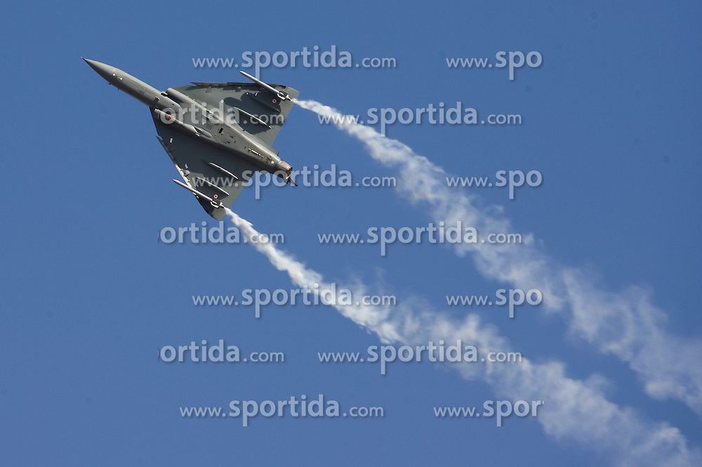 An Indian Air Force's Tejas Light Fighter Aircraft (LCA) flies during the Aero India 2015 in Air Force Station Yelahanka of Bangalore, India, Feb. 18, 2015. The biennial air show this year attracted dealers from 49 countries, showcasing their aero-related products in military and civilian fields. EXPA Pictures © 2015, PhotoCredit: EXPA/ Photoshot/ Zheng Huansong<br /> <br /> *****ATTENTION - for AUT, SLO, CRO, SRB, BIH, MAZ only*****