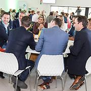 NLD/Apeldoorn/20190919 - Maxima bij bijeenkomst NLgroeit, Koningin Maxima neemt deel aan ronde tafelgesprek