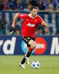 26.04.2011, Veltins Arena, Gelsenkirchen, GER, UEFA CL, Halbfinale Hinspiel, Schalke 04 (GER) vsManchester United (ENG), im Bild Ryan Giggs (Manchester #11) am Ball // during the UEFA CL, Semi Final first leg, Schalke 04 (GER) vs Manchester United (ENG), at the Veltins Arena, Gelsenkirchen,  26/04/2011EXPA Pictures © 2011, PhotoCredit: EXPA/ nph/  Scholz       ****** out of GER / SWE / CRO  / BEL ******