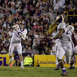Oct 20, 2018; Baton Rouge, LA, USA; LSU Tigers quarterback Joe Burrow (9) throws to running back Clyde Edwards-Helaire (22) during the second half against the Mississippi State Bulldogs at Tiger Stadium. LSU defeated Mississippi State 19-3. Mandatory Credit: Derick E. Hingle-USA TODAY Sports