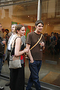 Alice Tatge and James Cooper,  Bridget Riley exhibition. Timothy Taylor Gallery. 6 June 2006. ONE TIME USE ONLY - DO NOT ARCHIVE  © Copyright Photograph by Dafydd Jones 66 Stockwell Park Rd. London SW9 0DA Tel 020 7733 0108 www.dafjones.com