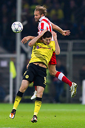 01.11.2011, Signal Iduna Park, Dortmund, GER, UEFA Champions League, Vorrunde, Borussia Dortmund (GER) vs Olympiacos Piraeus (GRE), im Bild Zweikampf Robert Lewandowski (#9 Dortmund) - Olof Mellberg (#4 Piraeus) // during Borussia Dortmund (GER) vs Olympiacos Piraeus (GRE) at Signal Iduna Park, Dortmund, GER, 2011-11-01. EXPA Pictures © 2011, PhotoCredit: EXPA/ nph/  Kurth       ****** out of GER / CRO  / BEL ******