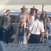 EXCLUSIVE Kate Hudson boarding private Jet