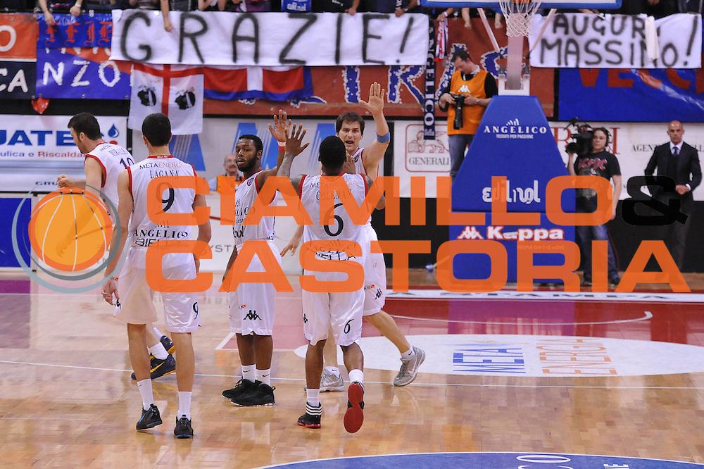 DESCRIZIONE : Biella Lega A 2011-12 Angelico Biella Otto Caserta<br /> GIOCATORE : Team<br /> CATEGORIA : Esultanza<br /> SQUADRA : Angelico Biella<br /> EVENTO : Campionato Lega A 2011-2012<br /> GARA : Angelico Biella Otto Caserta<br /> DATA : 02/05/2012<br /> SPORT : Pallacanestro<br /> AUTORE : Agenzia Ciamillo-Castoria/S.Ceretti<br /> Galleria : Lega Basket A 2011-2012<br /> Fotonotizia : Biella Lega A 2011-12 Angelico Biella Otto Caserta<br /> Predefinita :
