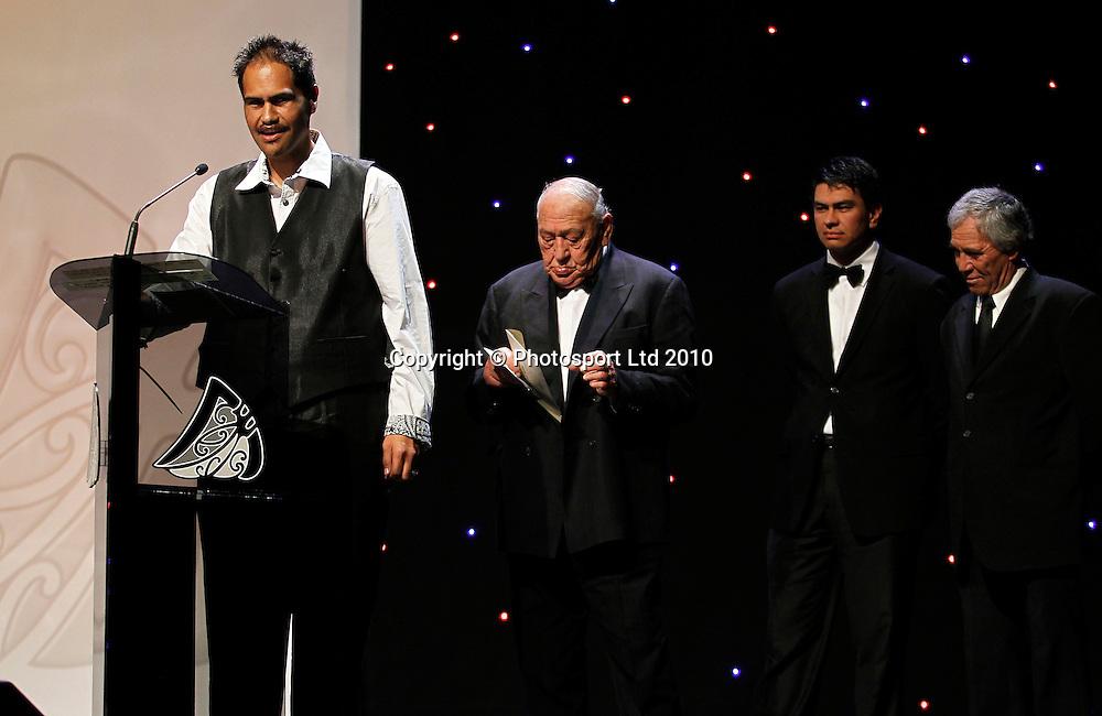 Closing prayer. Trillian Trust 20th Maori Sports Awards, Telstra Clear Events Centre, Manukau, Auckland, Saturday 4 December 2010. Photo: Simon Watts/photosport.co.nz