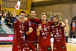 20141029 BEL: Eredivisie, Callant Antwerpen - Volley Behappy2 Asse - Lennik: Antwerpen<br />Callant Antwerpen wint met 3-1 van Asse - Lennik, vreugde bij Floris van Rekom, Bas van Bemmelen, Gijs Jorna en Yannick van Harskamp<br />©2014-FotoHoogendoorn.nl / Pim Waslander