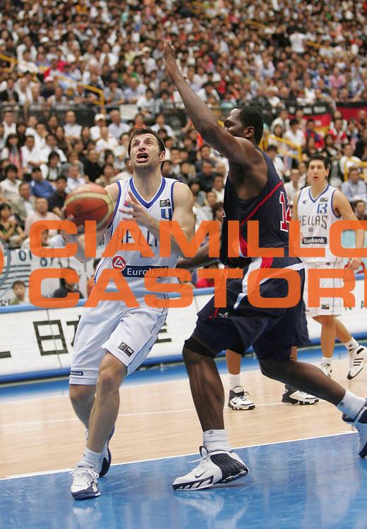 DESCRIZIONE : Saitama Giappone Japan Men World Championship 2006 Campionati Mondiali Semifinal Greece-Usa <br /> GIOCATORE : Papaloukas <br /> SQUADRA : Greece Grecia <br /> EVENTO : Saitama Giappone Japan Men World Championship 2006 Campionato Mondiale Semifinal Greece-Usa <br /> GARA : Greece Usa Grecia Stati Uniti America <br /> DATA : 01/09/2006 <br /> CATEGORIA : Penetrazione <br /> SPORT : Pallacanestro <br /> AUTORE : Agenzia Ciamillo-Castoria/M.Kulbis <br /> Galleria : Japan World Championship 2006<br /> Fotonotizia : Saitama Giappone Japan Men World Championship 2006 Campionati Mondiali Semifinal Greece-Usa <br /> Predefinita :