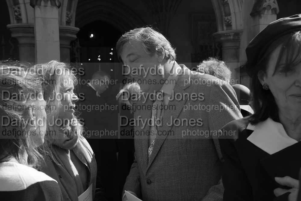 SABRINA GUINNESS; STEPHEN FRY; , Service of thanksgiving for  Lord Snowdon, St. Margaret's Westminster. London. 7 April 2017