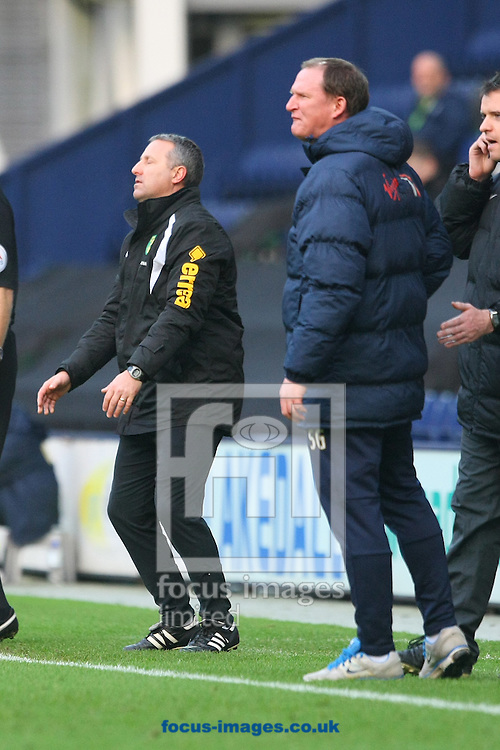Norwich Manager Neil Adams and Preston Manager Simon Grayson get animated during the FA Cup match at Deepdale, Preston<br /> Picture by Paul Chesterton/Focus Images Ltd +44 7904 640267<br /> 03/01/2015