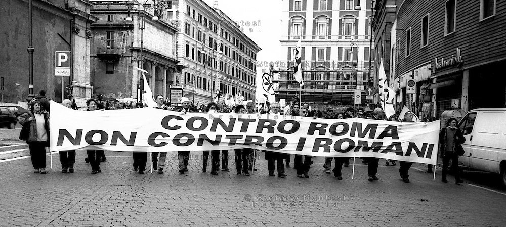 Roma 5 Dicembre 1999.Manifestazione della Lega Nord per la Devolution.Rome, Dec. 5, 1999.Manifestation of the Northern League for Devolution