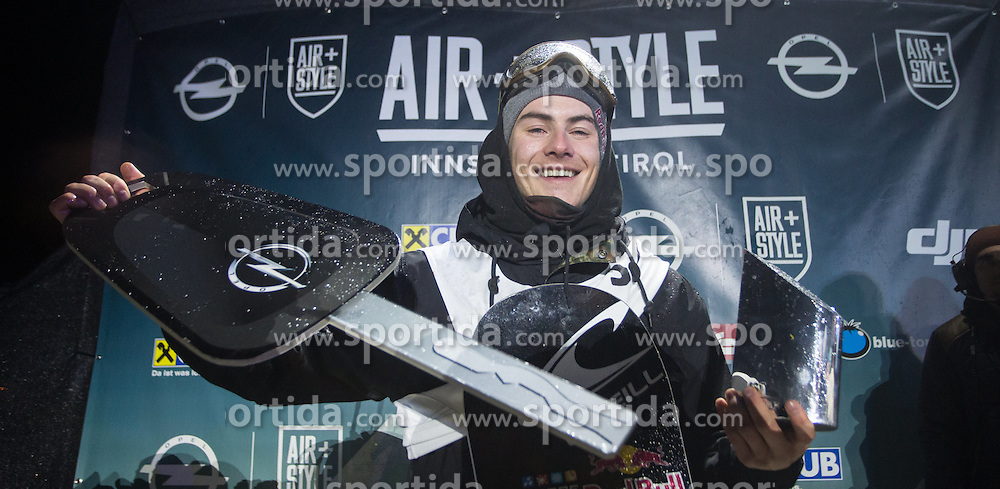 06.02.2016, Olympiaworld, Innsbruck, AUT, Air and Style, Innsbruck, im Bild Sebastien Toutant (CAN, 1.Platz) // 1st placed Sebastien Toutant of Canada during the Air & Style Snowboard Competition and Festival at the Olympiaworld in Innsbruck, Austria on 2016/02/06. EXPA Pictures © 2016, PhotoCredit: EXPA/ Jakob Gruber