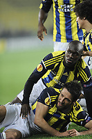 Fotball<br /> 25.04.2013<br /> Foto: imago/Digitalsport<br /> NORWAY ONLY<br /> <br /> UEFA Europa League semi-final football match between Fenerbahce and Benfica at Sukru Saracoglu stadium on April 25, 2013 in Istanbul. Pictured: Egemen Korkmaz , Dirk Kuyt and other Fenerbahce s players celebrates after the score.