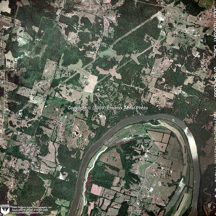 Vertical aerial photo of the Hendersonville Tennessee area showing Old Hickory Lake.