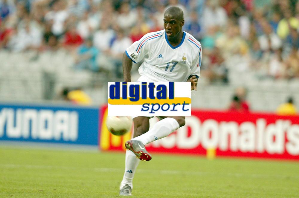FOOTBALL - CONFEDERATIONS CUP 2003 - GROUP A - FRANKRIKE v NEW ZEALAND - 030622 - OLIVIER KAPO (FRA) - PHOTO STEPHANE MANTEY / DIGITALSPORT