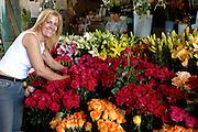 Spanien, Kanarische Inseln, Teneriffa..Santa Cruz, Markthalle Mercado de N.S. de Africa, Blumenstand..|..Spain, Canary Islands, Tenerife..Santa Cruz, market hall Mercado de N.S. de Africa, flower stand