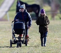 FEB 16 2014 Zara Phillips attends Barbury Point-to-Point