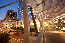 United States, Washington, Bellevue, pedestrian skybridge between Bellevue Square and LIncoln Square shopping areas