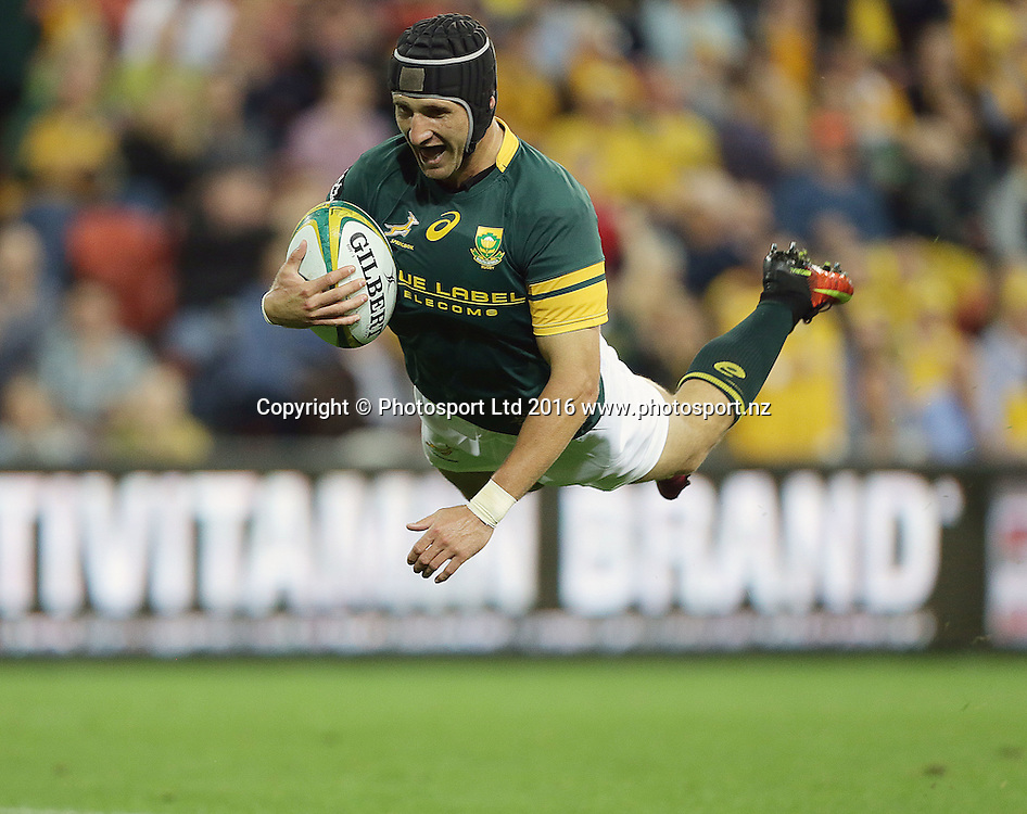 South Africa's Johan Goosen scores a try during The Rugby Championship, Australia v South Africa, Suncorp Stadium, Brisbane, Australia. Saturday 10 September 2016. Copyright Image: Tertius Pickard / www.photosport.nz