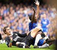 Photo: Daniel Hambury.<br />Chelsea v Blackburn Rovers. The Barclays Premiership.<br />29/10/2005.<br />Blackburn's Morten Gamst Pedersen and Shaun Wright-Phillips.