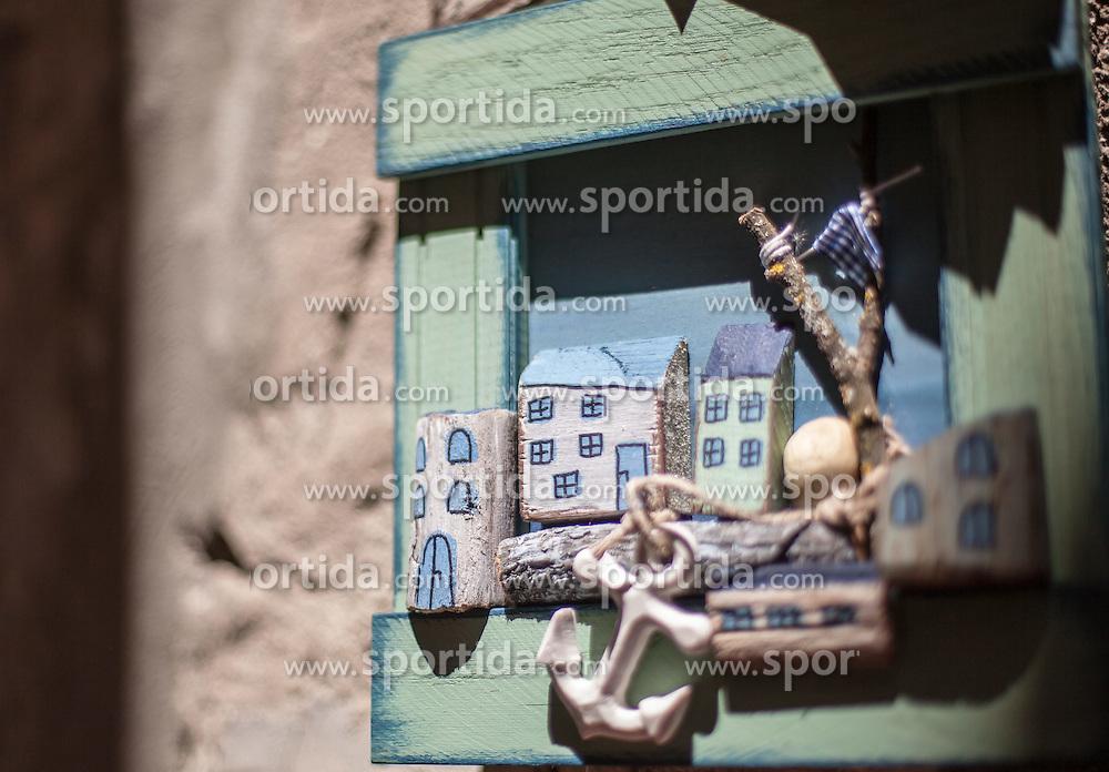 THEMENBILD - URLAUB IN KROATIEN, ein Souvenir aus Holz aufgenommen am 03.07.2014 in Rovinj, Kroatien // a souvenir in Rovinj, Croatia on 2014/07/03. EXPA Pictures © 2014, PhotoCredit: EXPA/ JFK