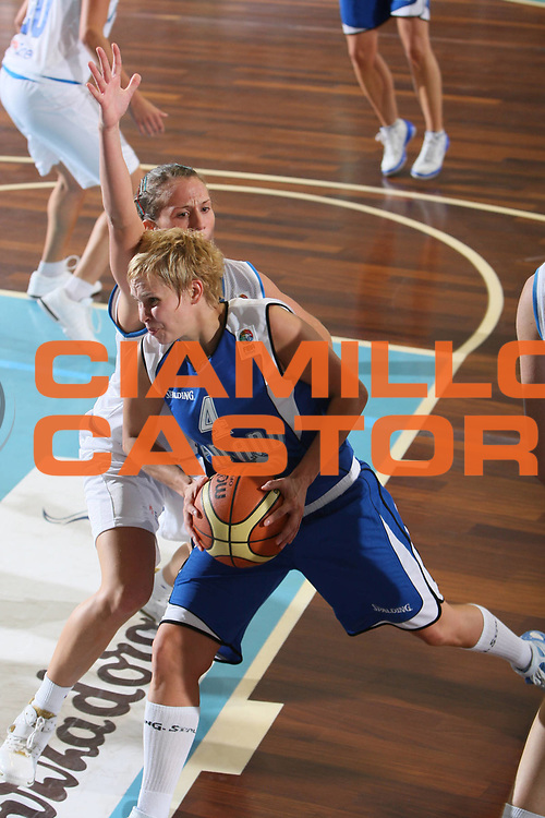 DESCRIZIONE : Cagliari Qualificazione Eurobasket Women 2009 Italia Finladia <br /> GIOCATORE : Reetta Piipari<br /> SQUADRA : Finlandia Finland<br /> EVENTO : Raduno Collegiale Nazionale Femminile<br /> GARA : Italia Finlandia Italy Finland <br /> DATA : 16/08/2008 <br /> CATEGORIA : Sfondamento <br /> SPORT : Pallacanestro <br /> AUTORE : Agenzia Ciamillo-Castoria/C. De Massis<br /> Galleria : Fip Nazionali 2008 <br /> Fotonotizia : Cagliari Qualificazione Eurobasket Women 2009 Italia Finladia <br /> Predefinita :