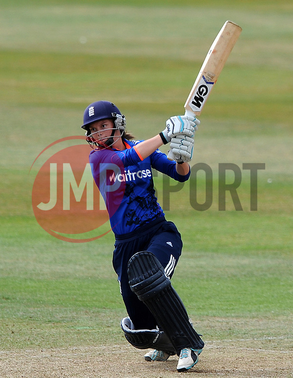 England's Amy Jones pulls the ball. - Photo mandatory by-line: Harry Trump/JMP - Mobile: 07966 386802 - 21/07/15 - SPORT - CRICKET - Women's Ashes - Royal London ODI - England Women v Australia Women - The County Ground, Taunton, England.