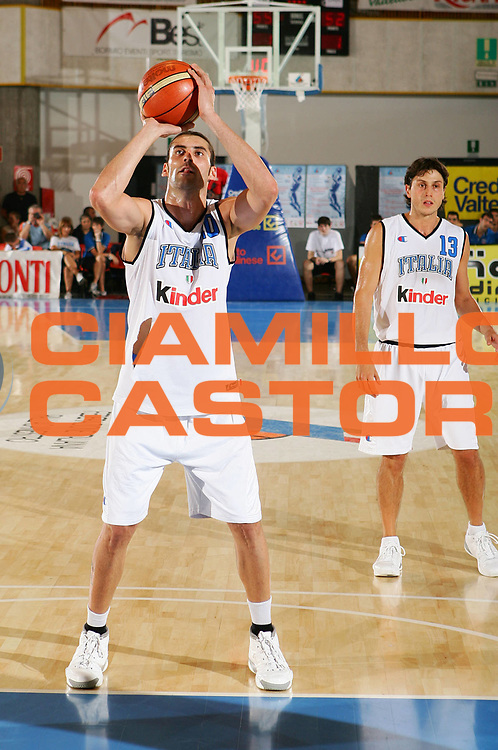 DESCRIZIONE : Bormio Trofeo Internazionale Diego Gianatti <br /> GIOCATORE : Di Giuliomaria <br /> SQUADRA : Italia <br /> EVENTO : Bormio Trofeo Internazionale Diego Gianatti <br /> GARA : Canada Italia <br /> DATA : 21/07/2006 <br /> CATEGORIA : Tiro <br /> SPORT : Pallacanestro <br /> AUTORE : Agenzia Ciamillo-Castoria/S.Silvestri
