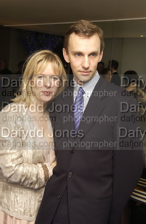 Allison Pearson and Anthony Lane. party for Anthony Lane's book hosted  given by David Remnick, editor of the New Yorker. River Cafe. 12 November 2002.  © Copyright Photograph by Dafydd Jones 66 Stockwell Park Rd. London SW9 0DA Tel 020 7733 0108 www.dafjones.com