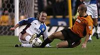 Fotball<br /> Premier League - Wolves v Blackburn<br /> 7. januar 2004<br /> Molineaux - Wolverhampton<br /> Foto: Digitalsport<br /> Norway Only<br /> Blackburns Tugay i duell med Alex Rae fra Wolves