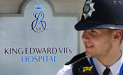 © Licensed to London News Pictures. 21/06/2017. London, UK. A policeman stands on duty outside the King Edward VII's hospital in west London where Prince Philip, The Duke of Edinburgh has been admitted to hospital following an an infection. Photo credit: Peter Macdiarmid/LNP