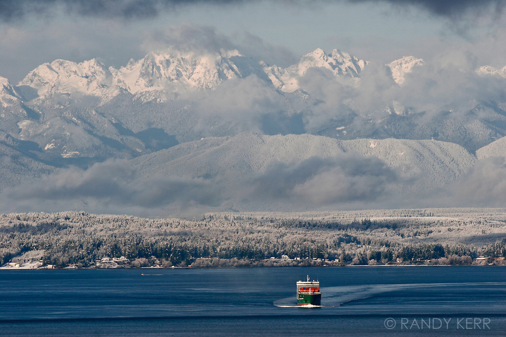 Snow storm on the Puget Sound