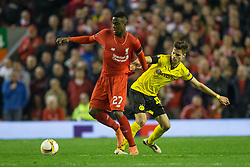 14.04.2016, Anfield Road, Liverpool, ENG, UEFA EL, FC Liverpool vs Borussia Dortmund, Viertelfinale, Rueckspiel, im Bild Julian Weigl (Borussia Dortmund #33) im Zweikampf gegen Divock Origi (FC Liverpool #27) // during the UEFA Europa League Quaterfinal, 2nd Leg match between FC Liverpool vs Borussia Dortmund at the Anfield Road in Liverpool, Great Britain on 2016/04/14. EXPA Pictures &copy; 2016, PhotoCredit: EXPA/ Eibner-Pressefoto/ Schueler<br /> <br /> *****ATTENTION - OUT of GER*****