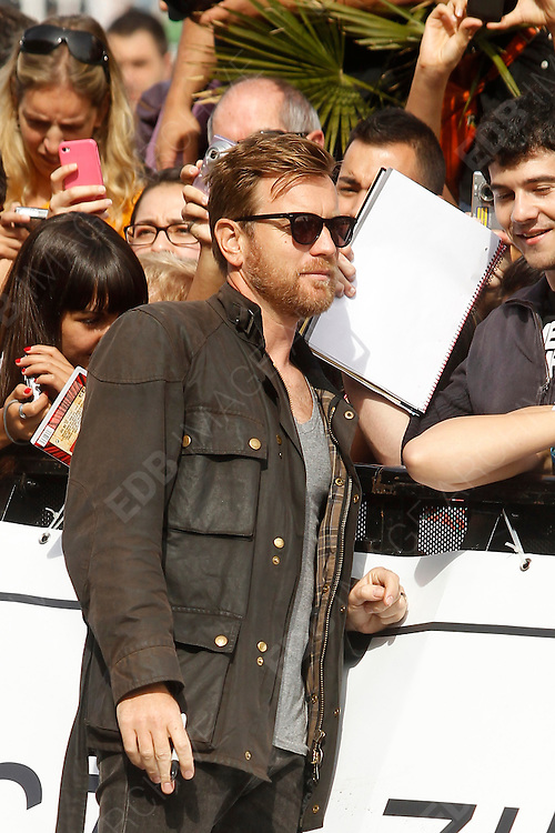 27.SEPTEMBER.2012. SAN SEBASTIAN<br /> <br /> EWAN MCGREGOR ARRIVES AT THE MARIA CRISTINA HOTEL FOR THE SAN SEBASTIAN FILM FESTIVAL.<br /> <br /> BYLINE: EDBIMAGEARCHIVE.CO.UK<br /> <br /> *THIS IMAGE IS STRICTLY FOR UK NEWSPAPERS AND MAGAZINES ONLY*<br /> *FOR WORLD WIDE SALES AND WEB USE PLEASE CONTACT EDBIMAGEARCHIVE - 0208 954 5968*