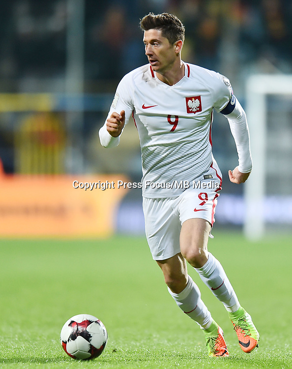 2017.03.26 Podgorica<br /> Pilka nozna kadra reprezentacja<br /> Eliminacje Mistrzostw Swiata Rosja 2018<br /> Czarnogora - Polska<br /> N/z Robert Lewandowski<br /> Foto Lukasz Laskowski / PressFocus<br /> <br /> 2017.03.26 Podgorica<br /> Football <br /> FIFA 2018 World Cup Qualifying game between Montenegro and Poland<br /> Robert Lewandowski<br /> Credit: Lukasz Laskowski / PressFocus