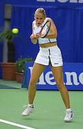 Sport,Grand Slam,Tennis,<br /> Australian Open in Melbourne, Jelena Dokic (AUS) spielt hohen Rueckhandball beidhaendig, Hochformat,Einzelbild,Ganzkoerper,