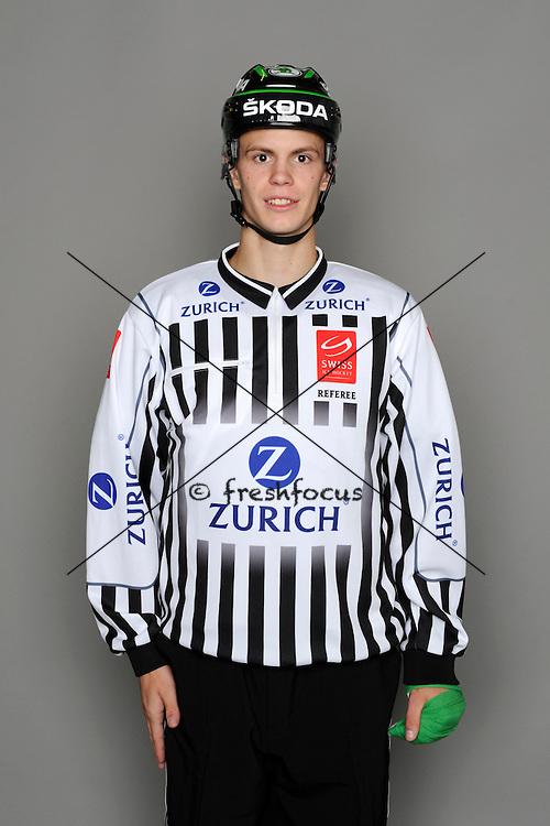 11.08.2013; Zuchwil; Eishockey - Fotoshooting Schiedsrichter;<br /> Sandro Gurtner<br /> (Urs Lindt/freshfocus)