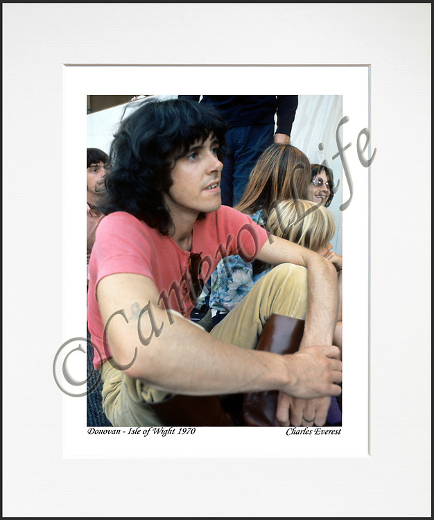 Donovan - An affordable archival quality matted print ready for framing at home.<br /> Ideal as a gift or for collectors to cherish, printed on Fuji Crystal Archive photographic paper set in a neutral mat (all mounting materials are acid free conservation grade). <br /> The image (approx 6&quot;x8&quot;) sits within a titled border. The outer dimensions of the mat are approx 10&quot;x12&quot;.