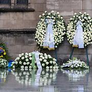 LUX/Luxemburg/20190504 -  Funeral<br /> of HRH Grand Duke Jean, Uitvaart Groothertog Jean, bloemen en kransen bij de ingang van de kerk