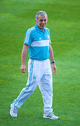 MARSEILLE, FRANCE - Monday, September 15, 2008: Olympique de Marseill's head coach Erik Gerets training ahead of the opening UEFA Champions League Group D match against Liverpool at Stade Velodrome. (Photo by David Rawcliffe/Propaganda)